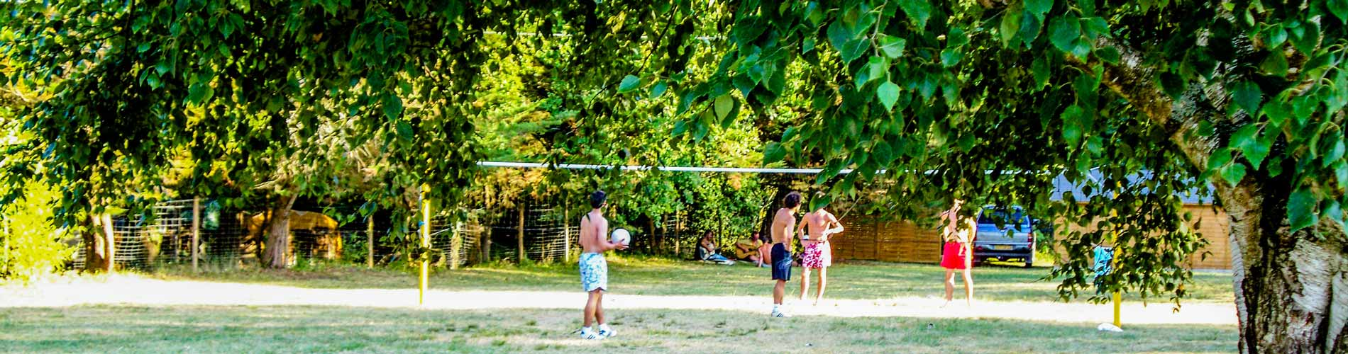 Camping 3 toiles gironde vacances camping au lac d for Camping gironde piscine