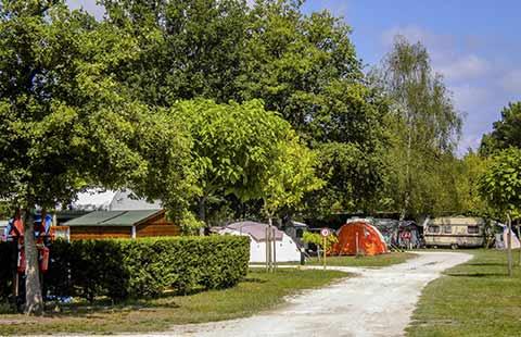 camping hourtin mobil home gironde camping entre lac et plage m doc. Black Bedroom Furniture Sets. Home Design Ideas
